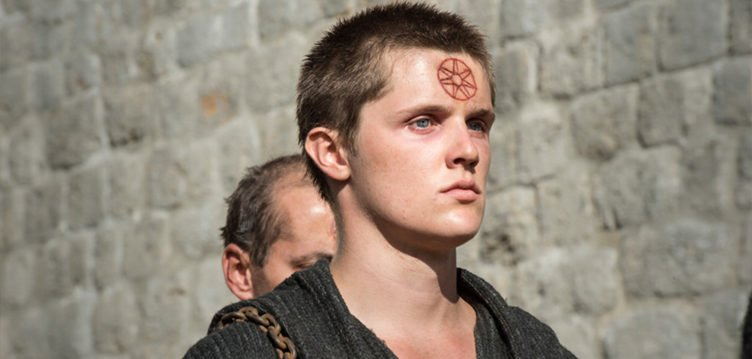 Lancel Lennister als Spatz in Game of Thrones - Staffel 5