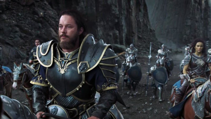Anduin Lothar (Travis Fimmel) und Garona (Paula Patton) verhandeln in Warcraft: The Beginning