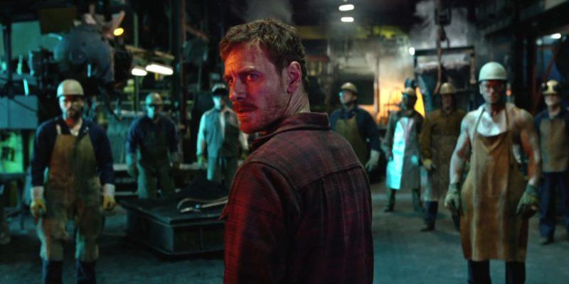 Erik Lehnsherr aka Magneto in einer Stahlfabrik in X-Men: Apocalypse