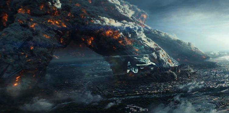 Raumschiff stürzt ab in Independance Day Wiederkehr
