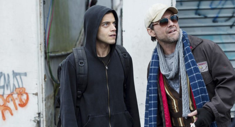Mr. Robot (Christian Slater) in einer Unterhaltung mit Elliot (Rami Malek).