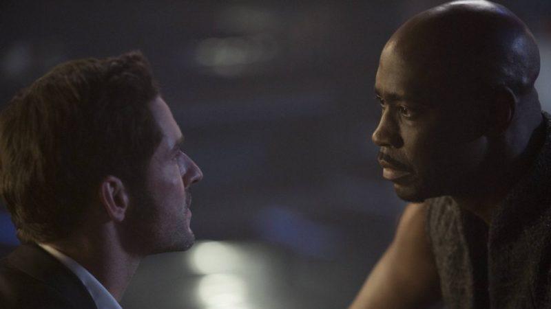 Der Engel Amenadiel (D.B. Woodside) will Lucifer (Tom Ellis) wieder zur Rückkehr in die Hölle überzeugen.
