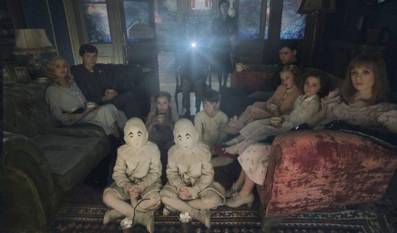 Die Besonderen Kinder schauen einen Film in Die Insel der Besonderen Kinder
