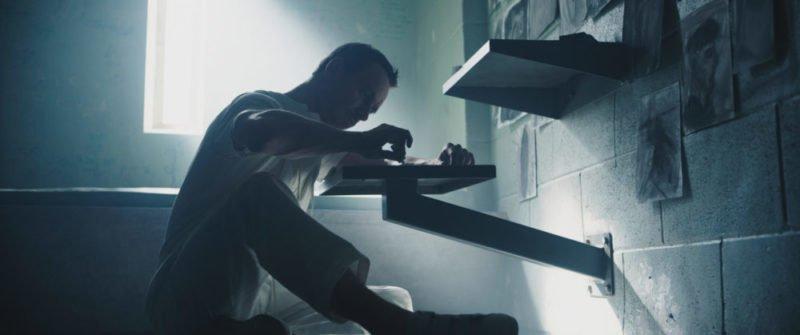 Michael Fassbender als Callum Lynch bei Abstergo