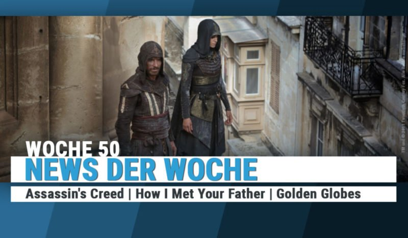 Assassins Creed Schauspieler Michael Fassbender schaut aus einer Terrasse auf die Straßen