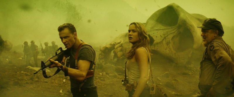 Tom Hiddleston und Brie Larson erkunden die Insel in Kong Skull Island.