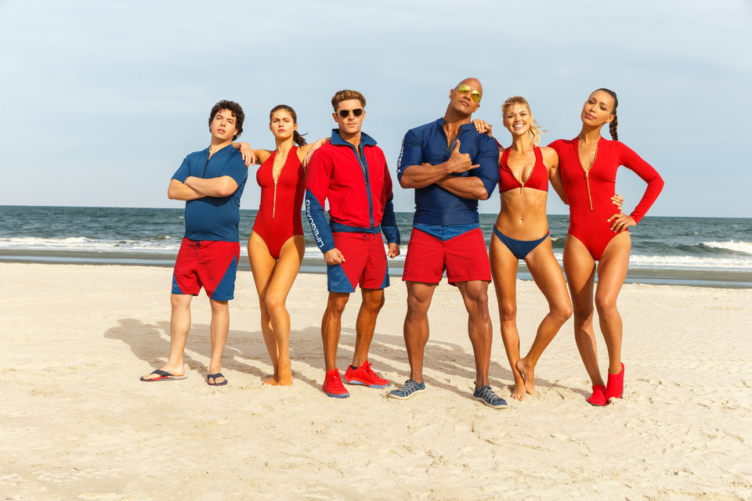 Titelbild für Kritik Baywatch mit Rettungsschwimmer Team auf einem Strand