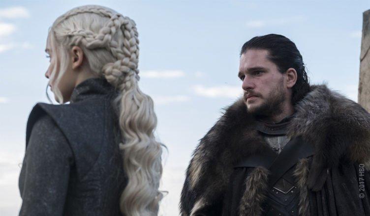 Daenerys Targaryen und Jon Schnee treffen in Drachenstein aufeinandern in Game of Thrones Staffel 7 Folge 3