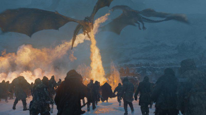 Szenenbild aus Game of Thrones Staffel 7 Kritik Folge Jenseits der Mauer mit Drachen und Weißen Wanderern
