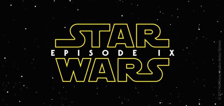 Das gelbe Star Wars Logo und der Schriftzug Episode IX vor einem schwarzen Hintergund mit Sternen-