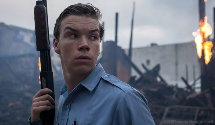 Will Poulter als Officer Krauss mit Shotgun in Detroit
