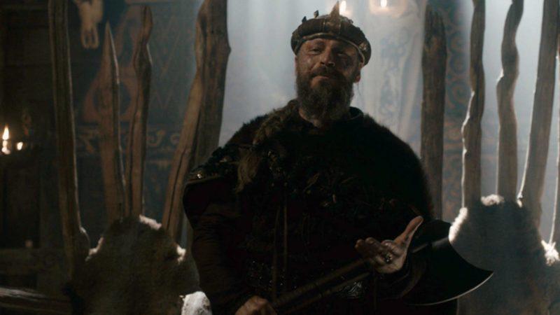 Peter Franzén als König Harald in Szenenbild für Vikings Staffel 5 Teil 1 Folge 9 Eine einfache Geschichte