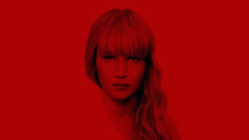 Jennifer Lawrence auf einem roten Hintergrund in Titelbild für Kritik Red Sparrow