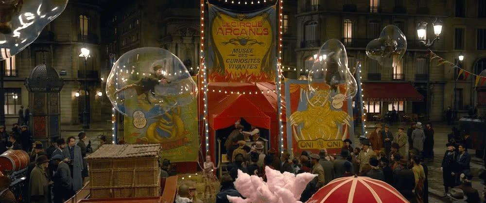 Ein Zirkus in Frankreich in einer Kanalisation in einem Szenenbild für Phantastische Tierwesen Grindelwalds Verbrechen Traileranalyse