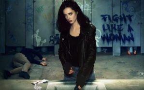 Krysten Ritter als Jessica Jones in einer Toilette im Titelbild für Kritik Jessica Jones Staffel 2