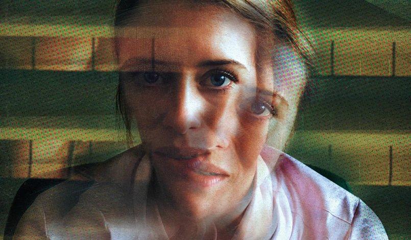 Claire Foy im Titelbild für Kritik Unsane
