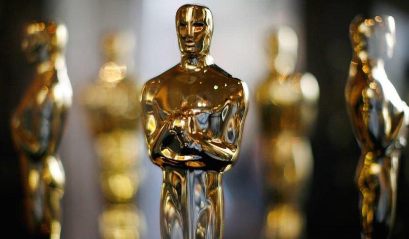 Titelbild für Beitrag Oscars 2018 Alle Gewinner mit schimmernden Oscar-Trophäen