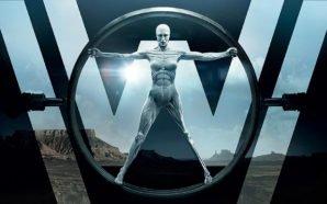 Plakat zu Westworld mit einem weißen, nackten Androiden, der mit ausgestreckten Beinen und Armen vor einem großen W posiert.