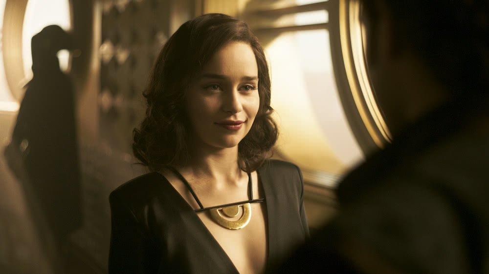 Emilia Clarke als Qi'Ra in einem Szenenbild für Kritik Solo A Star Wars Story