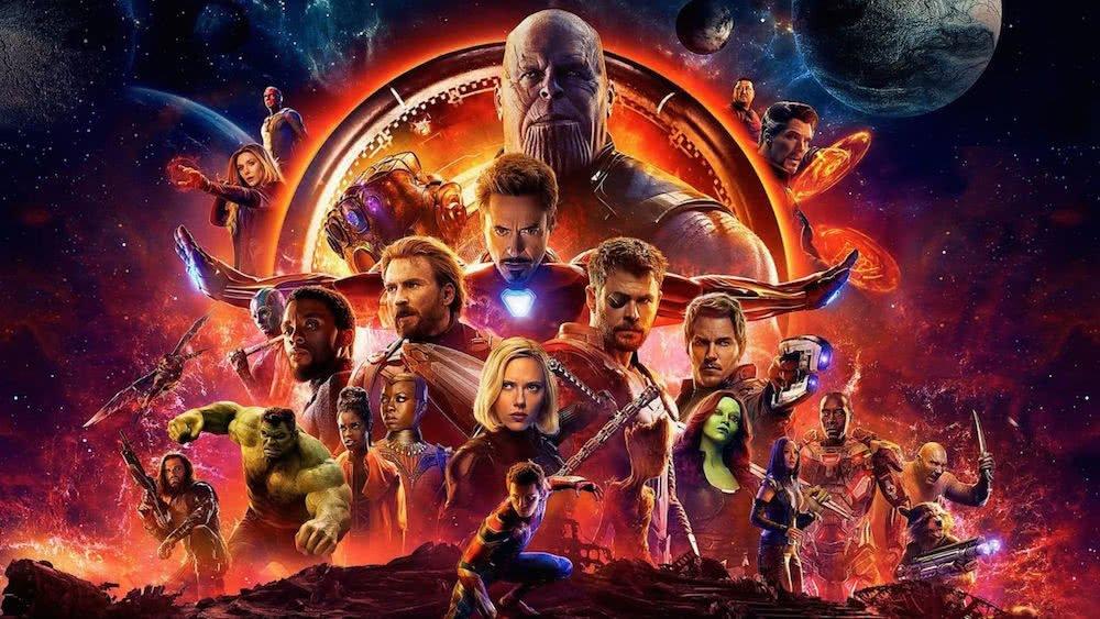 Alle Marvel-Helden der MCU-Filme auf dem Titelbild für Kritik Avengers Infinity War