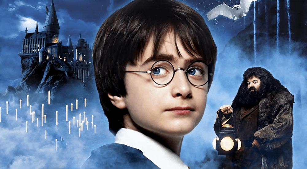 Harry und Hagrid auf dem Plakat zu Harry Potter 1 und der Stein der Weisen