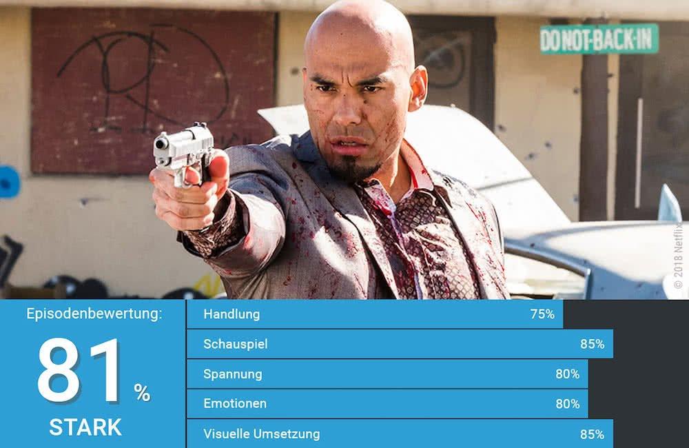 Einer der Salamanca Cousins zielt mit einer Pistole in Better Call Saul Staffel 4 Episode 4 Reden