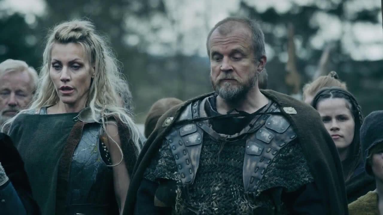 Frøya (Silje Torp) und Viljar (Mads Jørgensen) in einem Szenenbild aus Kritik Norsemen Staffel 2.