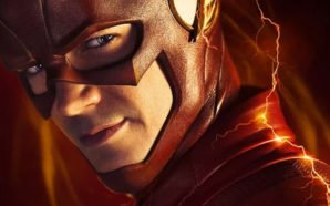 The Flash im Profil schaut in die Kamera und ist umgeben von kleinen Blitzen auf dem Plakat zu The Flash Staffel 4