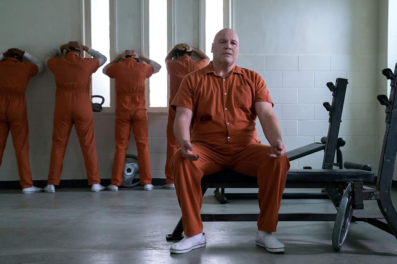 Wilson Fisk (Vincent D'Onofrio ) sitzt im Gefängnis.