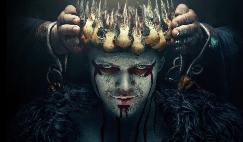 Ivar wird mit einer Krone gekrönt auf einem Poster zu Vikings Staffel 5 Teil 2