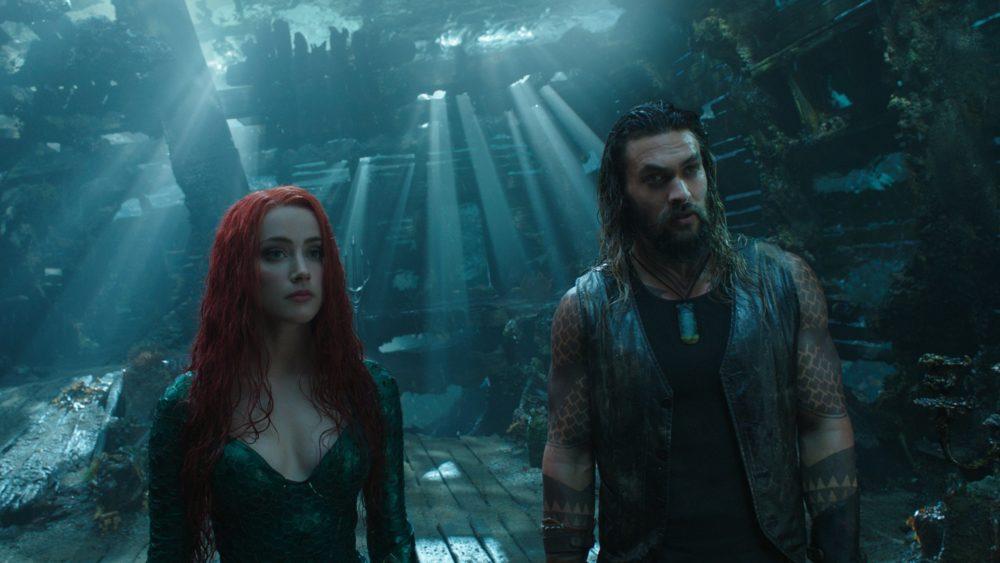 Aquaman und Mera (Amber Heard) unter Wasser.