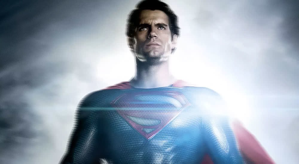 Filmplakat zu Man of Steel mit schwebendem Superman