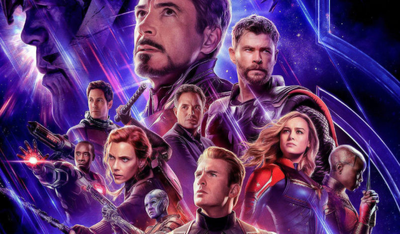 Poster für Kritik Avengers Endgame mit Iron Man, Captain America, Hulk, Thanos, Captain Marvel und Thor
