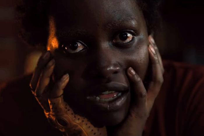 Lupita Nyong'o als böse Doppelgängerin in einem Bild für Kritik Wir