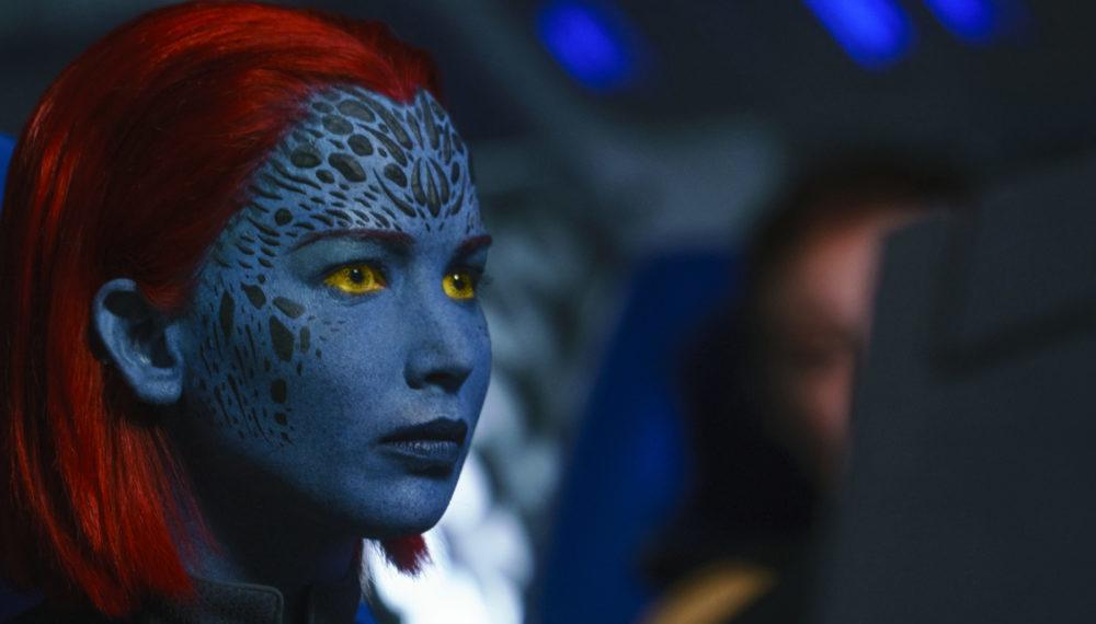 Mystique (Jennifer Lawrence) guckt entschlossen