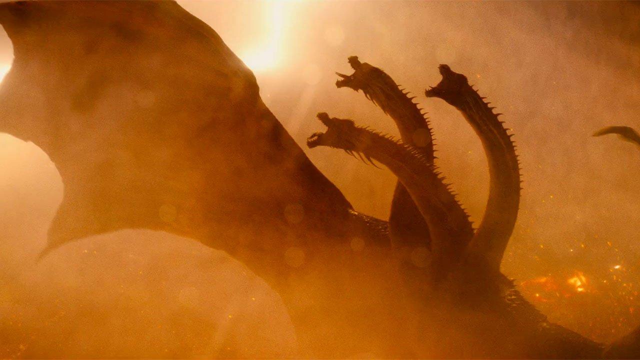 Szenenbild 1: Ghidorah lässt Fan-Herzen höher schlagen, wird aber lieblos in die Story hineingeschmissen.