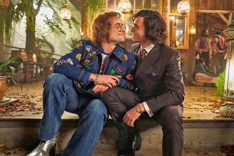 Taron Egerton als Elton John und Richard Madden als John Reid in einem Szenenbild für Kritik Rocketman
