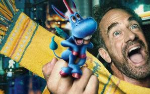 Christopher Melloni als Nick Sax mit seinem Einhorn auf einem Poster zu Happy! Staffel 2 auf Netflix