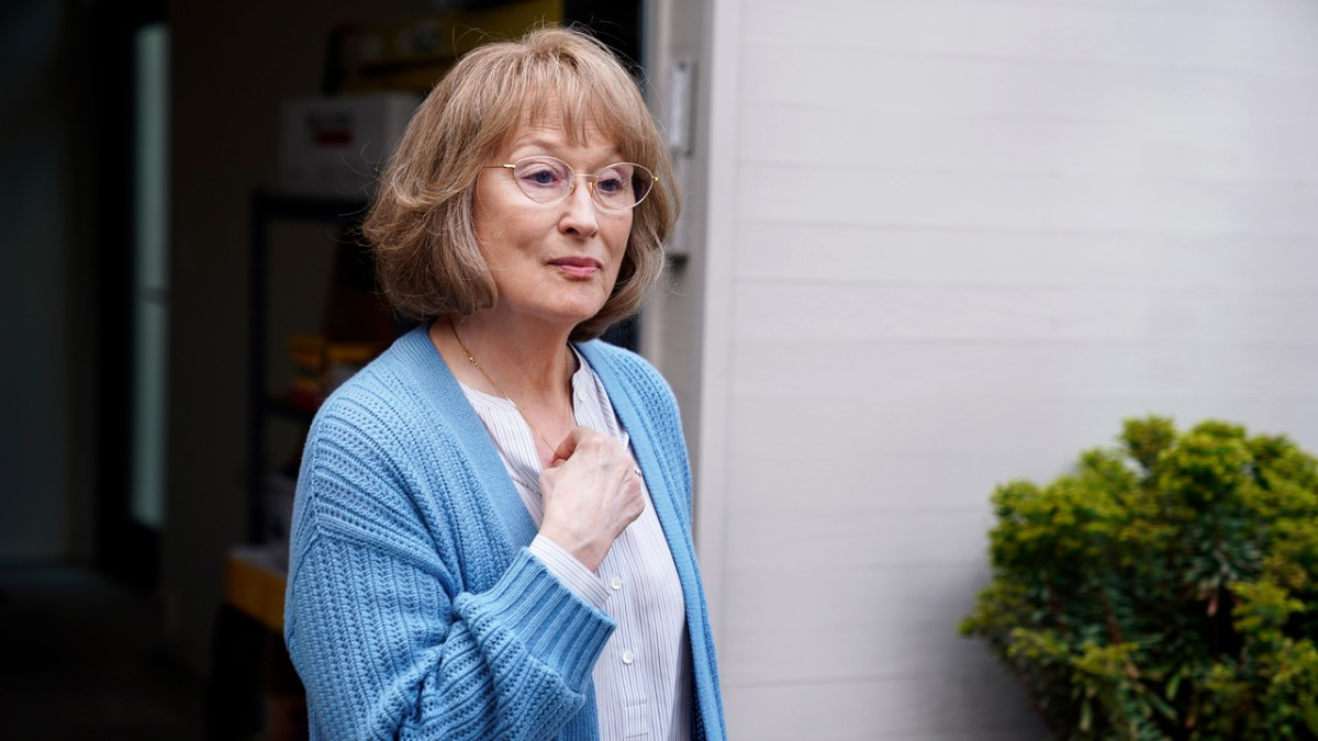 Meryl Streep in blauem Cardigan als Mary Louise Wright