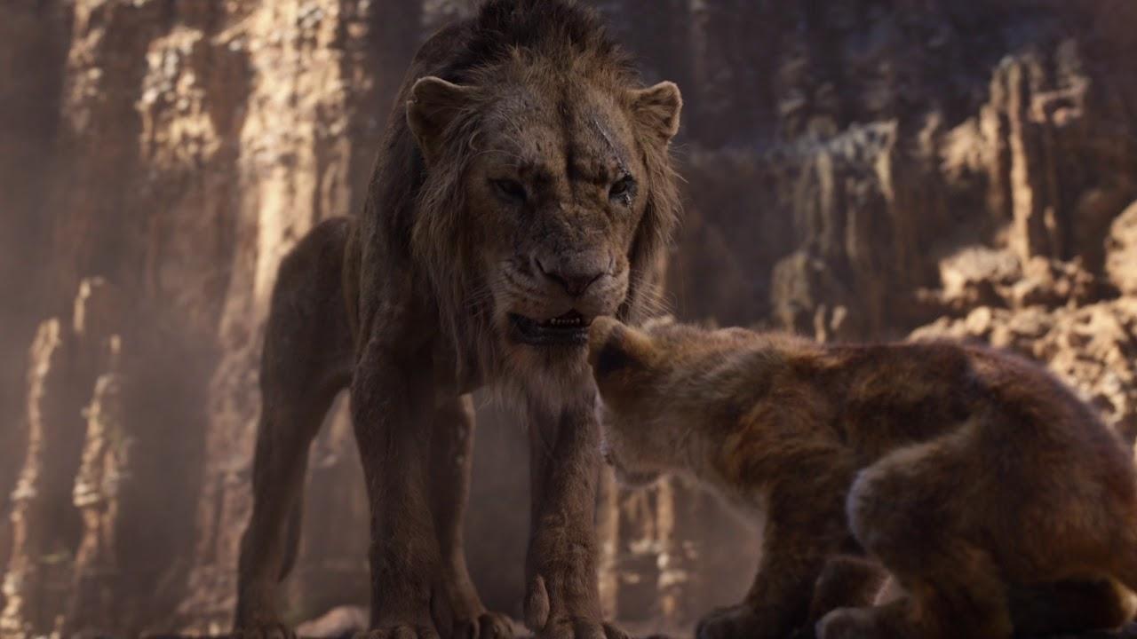Scar (Chiwetel Ejiofor) vertreibt Simba (JD McCrary) aus dem geweihten Land