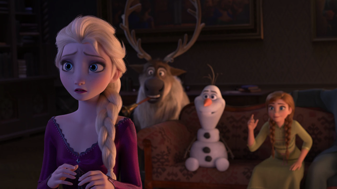 Alle spielen Scharade, als Elsa eine Stimme hört