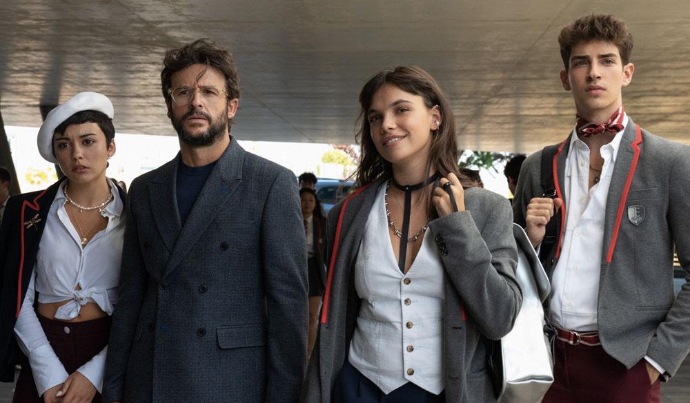 Ari (Carla Díaz), Benjamín (Diego Martín), Mencia (Martina Cariddi) und Patrick (Manu Ríos) in Élite.
