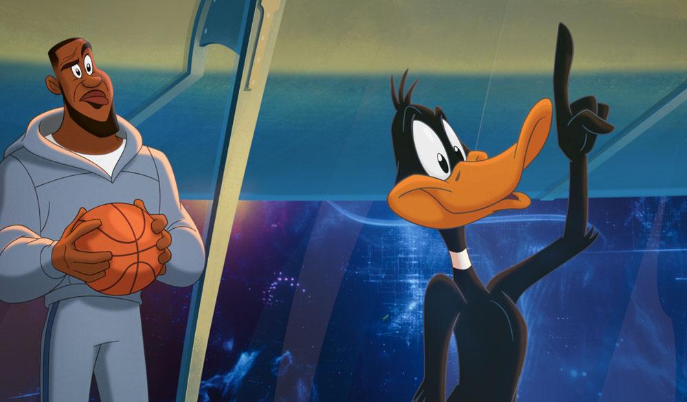 Duffy Duck und LeBron James als Zeichentrickfiguren in Space Jam - A New Legacy