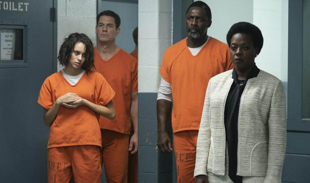 Amanda Waller (Viola Davis) mit den Häftlingen der Suicide Squad.